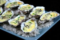 Hot oysters with champagne - Marie Che - - Huîtres chaudes au champagne Hot Oysters with Champagne: Recipe of Hot Oysters with Champagne – Marmiton Chowder Recipes, Seafood Recipes, Baked Oyster Recipes, Oysters Rockefeller, Healthy Potatoes, Baked Fish, Special Recipes, Mediterranean Recipes, Food Videos