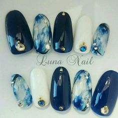 MERNUR hopes these 63 Most Stunning and Lovely Midnight Blue Nails Dark Blue Nails Design You Should Try that can help you out. We hope you like this collection. Gorgeous Nails, Love Nails, Fun Nails, Bling Nails, Perfect Nails, Dark Blue Nails, Nail Art Blue, Royal Blue Nails, Blue Gel