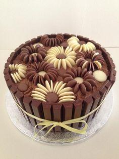 pastel de chocolates con chips