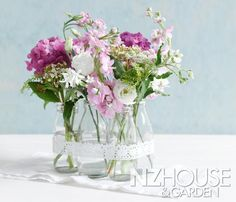 All laced up Love Flowers, Beautiful Flowers, Garden News, Glass Vase, Projects To Try, Home And Garden, Lace Up, Plants, Home Decor