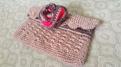 Crocheted purse Crochet Purses, Crochet Hats, Beanie, Accessories, Fashion, Knitting Hats, Moda, Crochet Bags, Crochet Clutch Bags