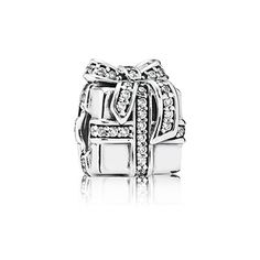 This sparkling present would make a great gift for someone on you Christmas list! PANDORA | Sparkling surprise, clear cz