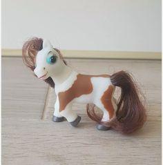 Skewbald magazine pony - brown hair
