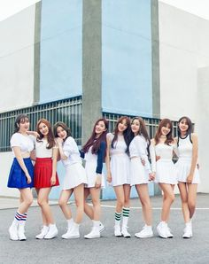 Pledis Girlz official debut with We MV