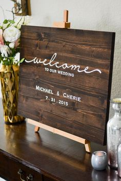 Welcome Wedding Sign - Names & Date, Reception Signage, Wood Wedding Sign, Rustic Wedding Decor von LoveSupplyCo auf Etsy https://www.etsy.com/de/listing/221356001/welcome-wedding-sign-names-date