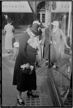 Window Shopping photographed by Humphrey Spender
