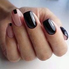 In seek out some nail designs and ideas for your nails? Here's our set of must-try coffin acrylic nails for fashionable women. Minimalist Nails, New Year's Nails, Hair And Nails, Cute Nails, Pretty Nails, Pretty Makeup, Two Tone Nails, Uñas Fashion, Fashion Ideas