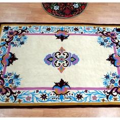 Chintz Rug, Outstanding Piece of Rug. You have never seen before. You can buy it only on Carpets Online, Living Styles, Geometric Designs, Luxury Living, Rugs On Carpet, Area Rugs, Creative, Floral, Pattern