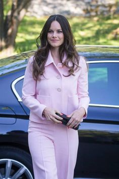 Royal Family Around the World: Princess Sofia Of Sweden Attends The Sophia Party And Presentation Of Medals Of Merit To Sophia Sisters at Sophiahemmet on May 2018 in Stockholm, Sweden. Sweden Fashion, Princess Sofia Of Sweden, Prince Carl Philip, Sofia Party, Monochrome Outfit, Swedish Royals, Crown Princess Victoria, Royal Fashion, Duke And Duchess