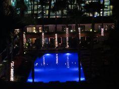 Pool Hotel Roosevelt, Hollywood, CA Roosevelt, Marina Bay Sands, Hollywood, Spaces, Building, Travel, Viajes, Buildings, Destinations