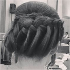 Retro upstyle. Braid