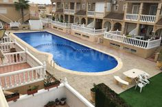 Property ref: 4199 The property is located in an urbanisation and is on foot from the local services and the beach of Torrevieja.  This property has a terrace, a living room that has air conditioning, ambien a dining area, an independent kitchen, four bedrooms with fitted wardrobes and two bathrooms one of them being en-suite. Price: 145.000€