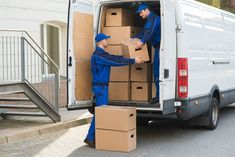 House removals tend to be chaos unless you don't hire a removal company. The house removals can help you with the overall process of your relocation from the packing of your equipment to loading it. Cross Country Movers, Moving Cross Country, Cargo Services, Moving Services, House Removals, Best Movers, Cheap Doors, Relocation Services, Delivery Man