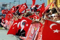 Atatürk ve bayrak işte türkiye.