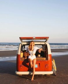 For the Love of All Things German and Air Cooled: Photo Volkswagen Minibus, Bus Camper, Volkswagen Bus, Vw T1, Trucks And Girls, Car Girls, Vw Caravan, Chevy, Hot Vw