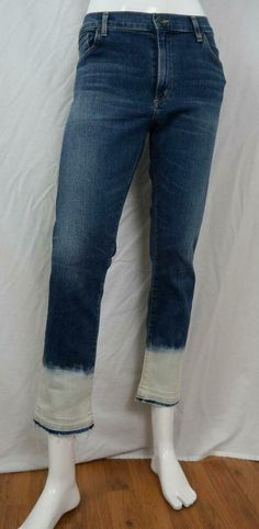 """Up for sale, this excellent pair of Citizens of Humanity """"Dita Petite Boot Cut"""" stretch blue JEANS in size 26 Petite. Crop Jeans, Jeans Fit, Blue Jeans, Citizens Of Humanity, Mid Rise Skinny Jeans, Light Denim, Boyfriend Jeans, Bleach, Women's Clothing"""