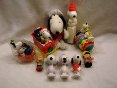 Lot of Peanuts Snoopy Charlie Brown Lucy Linus plush figurines banks toys A USED