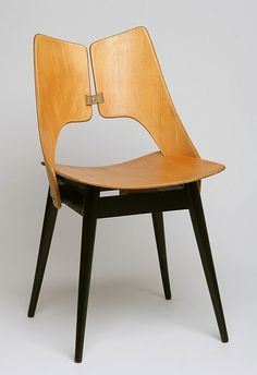 "Maria Chomentowska, krzeslo ""Plucka"", proj, 1956, dla IWP Classic Furniture, Modern Furniture, Home Furniture, Furniture Design, Cool Chairs, Side Chairs, Dining Chairs, Plywood Chair, Plywood Furniture"