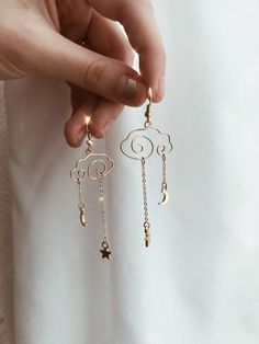 Restless dreamers abstract cloud earrings with moon and star Ear Jewelry, Dainty Jewelry, Cute Jewelry, Jewelry Crafts, Jewelery, Jewelry Accessories, Jewelry Design, Jewelry Making, Handmade Wire Jewelry
