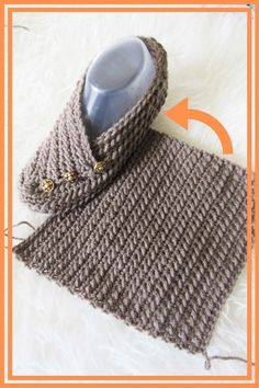 Try this easy crochet slipper free pattern for beginners. This house shoe for a woman is made from a simple rectangle. How cool is that? The crochet tutorial also includes a step by step video. #crochetslippers, #easycrochetslippers, #crochstslippersfreepattern Crochet Cowl Free Pattern, Crochet Slipper Pattern, Knitting Patterns, Crochet Patterns, Quick Crochet, All Free Crochet, Knit Crochet, Easy Crochet Slippers, Crochet For Beginners