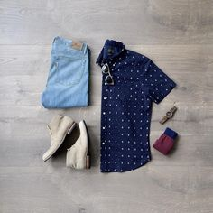 Men's Spring Fashion, short sleeve button down, light denim, sun glasses and chukka boots! Mens Fashion 2018, Men's Fashion, Men Fashion Show, Spring Fashion, Buy Shirts, Outfit Grid, How To Stretch Boots, Light Denim, Matching Outfits