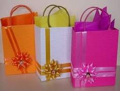 Gift Wrapping Inspiration : DIY Boxes and a bow Craft Bags, Craft Gifts, Diy Gifts, Christmas Gift Bags, Christmas Gift Wrapping, Paper Gift Bags, Paper Gifts, Creative Gift Wrapping, Creative Gifts