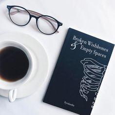 "Gefällt 2,822 Mal, 11 Kommentare - Eunice M (@nerdytalksbookblog) auf Instagram: ""Happy World Poetry Day you guys! What's the latest poetry book you've read? Check @pyrokardia…"""