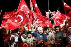 de Morgen 22/7/2016: Een golf van angst rolt over Turkije: Bijna nemand durft de media te woord staan.