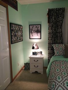Teen Girl Bedrooms sweetly alluring concept - Smart and exceptional teenage girl room tactic and tips. For another cushy info please check out the pin-link now. Teen Girl Rooms, Teenage Girl Bedrooms, Teen Bedroom, Home Bedroom, Bedroom Decor, Magical Bedroom, Bedroom Ideas, Bedroom Designs, Mint Green Rooms