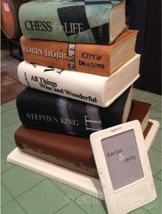 Cakes shaped like books.....so cool, ermagerd! This is amazing especially the nook i really want this for my birthday now!!!!!