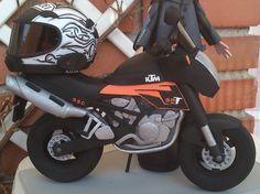 Moto KTM 02