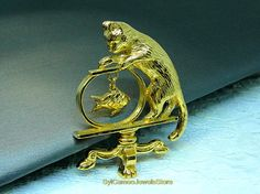 Vintage Avon Cat Brooch Gold-tone Cat In Fishbowl Pin Dangle
