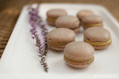 Macarons con relleno de limón (¡o nocilla!) | The Cooking Plan Macarons, Tapas, Relleno, Truffles, Cake Pops, Hamburger, Bread, Baking, Food