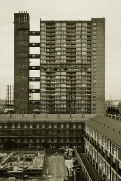 'Lesser Known Architecture Exhibition' Brownfield Estate by Erno Goldfinger, Photography: Theo Simpson Architecture Panel, London Architecture, Architecture Wallpaper, Architecture Portfolio, Architecture Design, Drawing Architecture, Council Estate, London History, Alvar Aalto