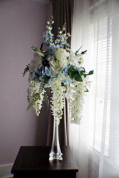 Simple and Crazy Tips: Wedding Flowers Tulips Ana Rosa wedding flowers maroon garden roses. Blush Wedding Flowers, Wedding Table Flowers, Wedding Colors, Tall Wedding Centerpieces, Flower Centerpieces, Wedding Decorations, Arch Flowers, Silk Flowers, Home Flower Arrangements