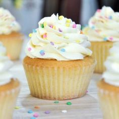There's nothing vanilla about today's celebrated food. Today is National Vanilla Cupcake Day! We'd love your feedback on what we could improve upon for 2017. Please comment or message us on any of our social media or from the website. #nationalvanillacupcakeday #foodielife