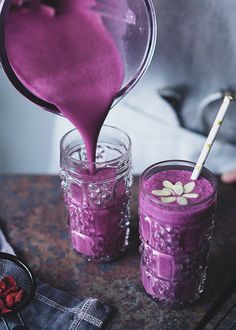 Another article for Garden Collage: the Blueberry Smoothie recipe!