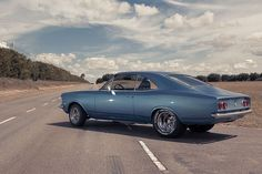 Encontramos um belo Opala com motor V8 Small Block Chevy 350, preparado para render 450 cv (mais 150 cv com nitro!). Confira as fotos e detalhes do carro no FlatOut!