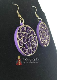 Items similar to Purple & Gold Metallic Edge Beehive Quilled Earrings on Etsy Paper Jewelry, Paper Beads, Diy Jewelry, Beaded Jewelry, Handmade Jewelry, Paper Quilling Earrings, Quilling Comb, Neli Quilling, Quilled Roses