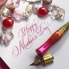 634 отметок «Нравится», 8 комментариев — Sue (@oliveleafcalli) в Instagram: «Happy Mother's Day! #calligraphy #calligraphysg #dippen #pointedpencalligraphy #pointedpen…»