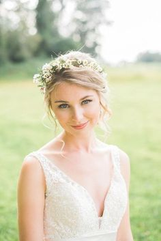 very natural wedding makeup, natural-colored lips