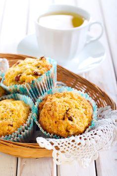 Gluten-Free Apple Raisin Muffins Recipe (vegan option) #glutenfree #breakfast - DontMesswithMama.com