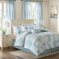 Transform your bedroom into a peaceful oasis with the Sea Palm Grove 6-Piece King Size Comforter Set.
