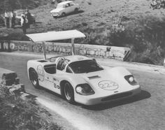 goodoldvalves:  Phil Hill and the Chaparral 2F (1967), at Targa Florio.