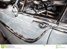 vintage-chrome-car-blue-detail-salon-67078788.jpg (1300×955)