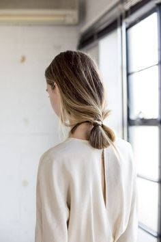 #women #fashion #white #blond #hair #style #minimalism #classic #open #back