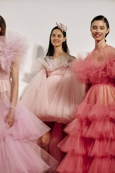 vogue fashion 9 major moments from the haute couture spring 2019 shows worth your time - Vogue Australia Couture Mode, Style Couture, Haute Couture Fashion, Spring Couture, Fashion Moda, Runway Fashion, Fashion Show, Fashion Trends, Style Fashion