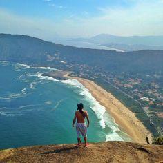 Domingo de sol!  . #itacoatiara #costao #riodejaneiro #errejota #rj #nikiti #sun #beach #waves #surf #monday #domingo #paradise #trilha #ocean #photo #photography #brasil #adventure by marcoferreirajr http://bit.ly/AdventureAustralia