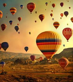 Cappadocia, Turkey has been rated one of the world's best spots for hot air ballooning. Check out these incredible photos of hot air balloons over Turkey. Air Balloon Festival, Air Festival, Festival 2017, Air Ballon, Air Balloon Rides, Balloon Race, Arizona Travel, Arizona Usa, Land Of Enchantment