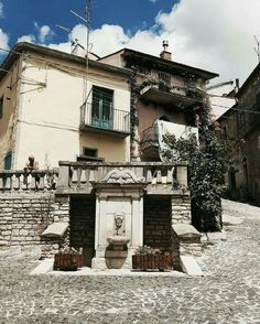 Old Town, Bella, Mansions, House Styles, City, Home Decor, Italia, Fotografia, Old City